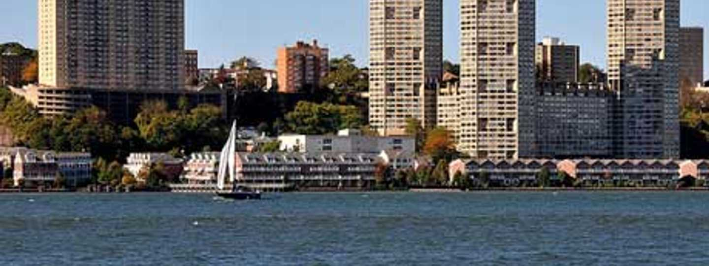 Cruise along the Hudson river and see the sites from a different view (Ed Yourdon)