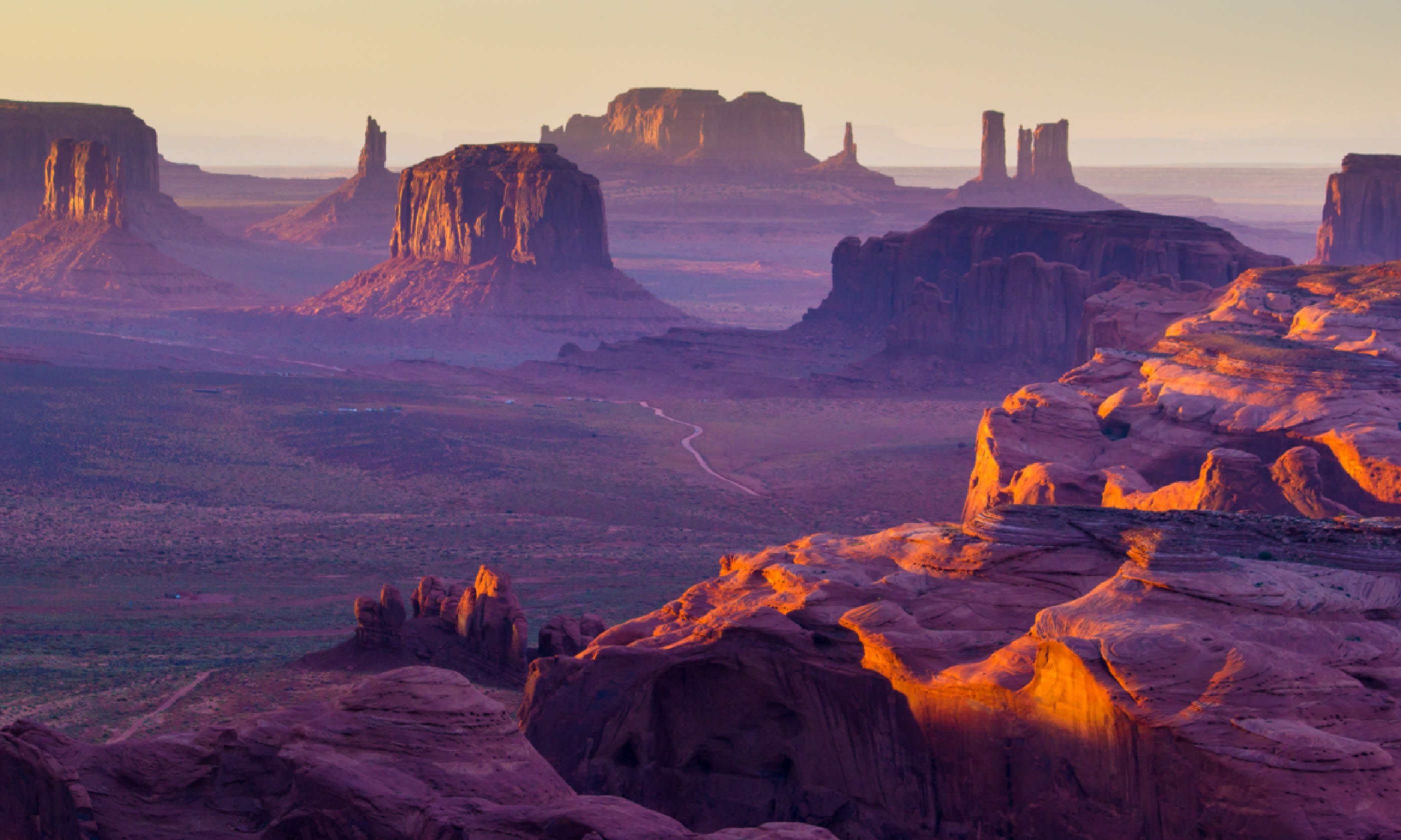 Sunset over the Hunt's Mesa (Shutterstock)