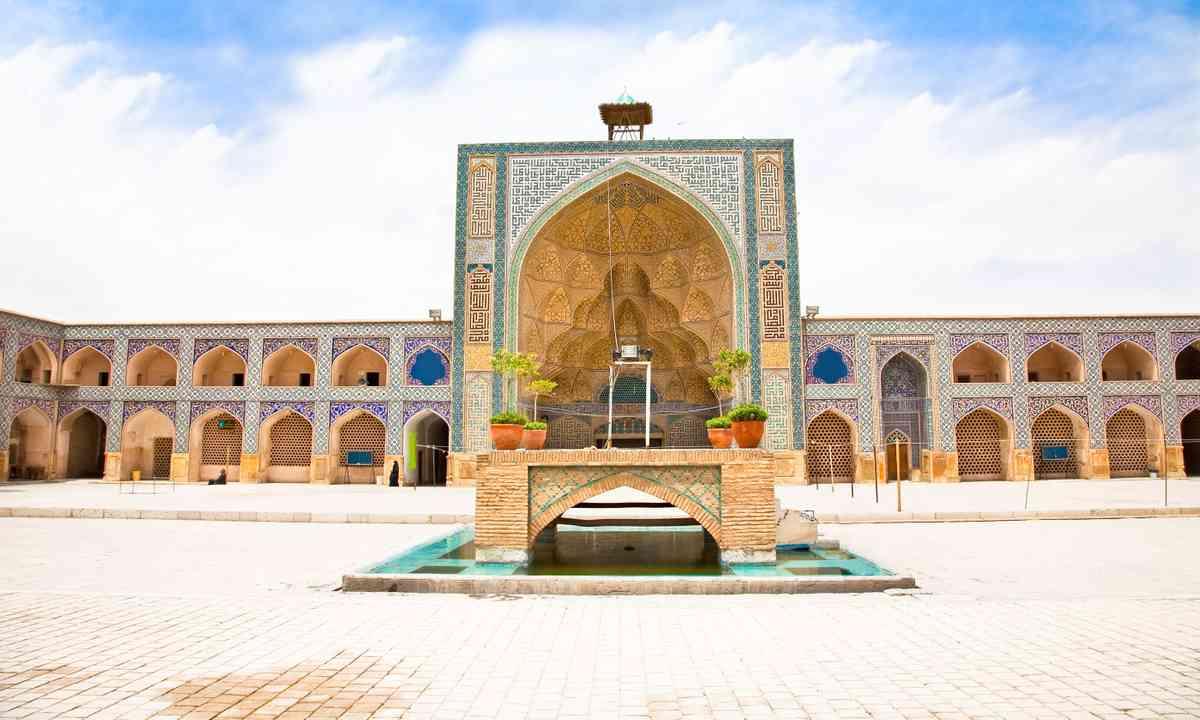 Jāmeh Mosque (Dreamstime)