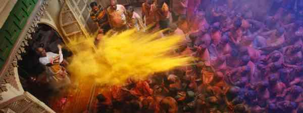 The world's messiest festivals, Holi (dreamstime)