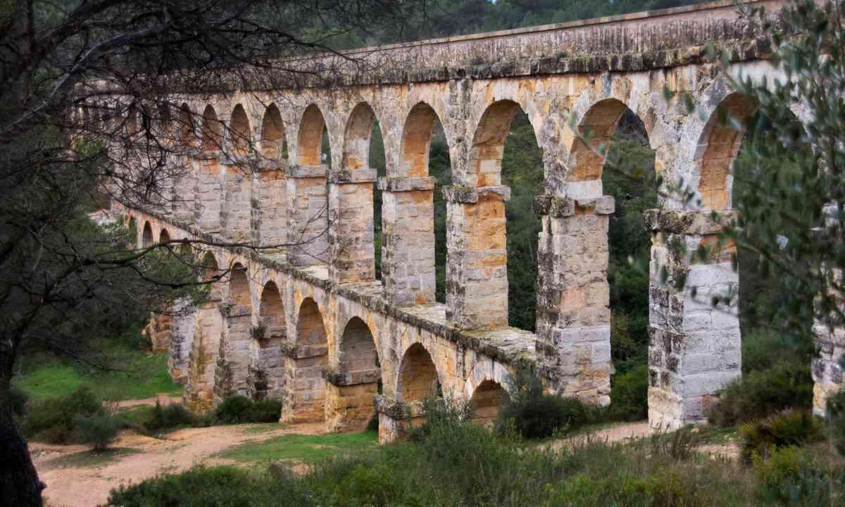Pont del Diable (Dreamstime)