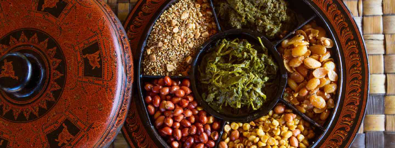 Myanmar snacks (Shutterstock)
