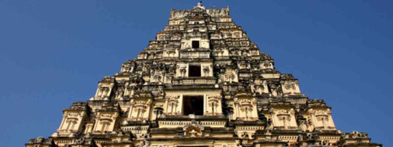 Virupaksha temple (Flickr: Prateek Rungta)