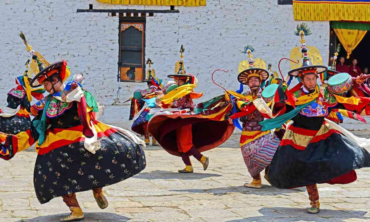 Dancers at Paro Tshechu (Dreamstime)