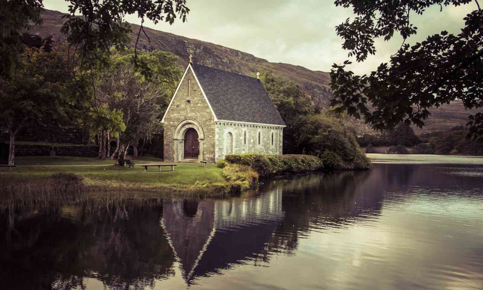 Gougane Barra Church, Ireland (Dreamstime)