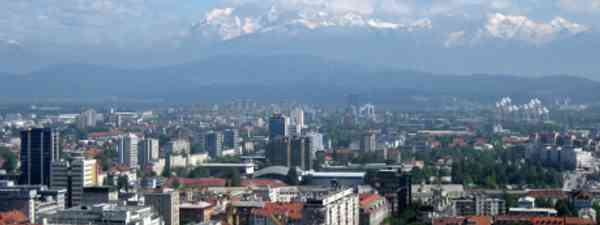 Panorama over the city (Paul Burani)