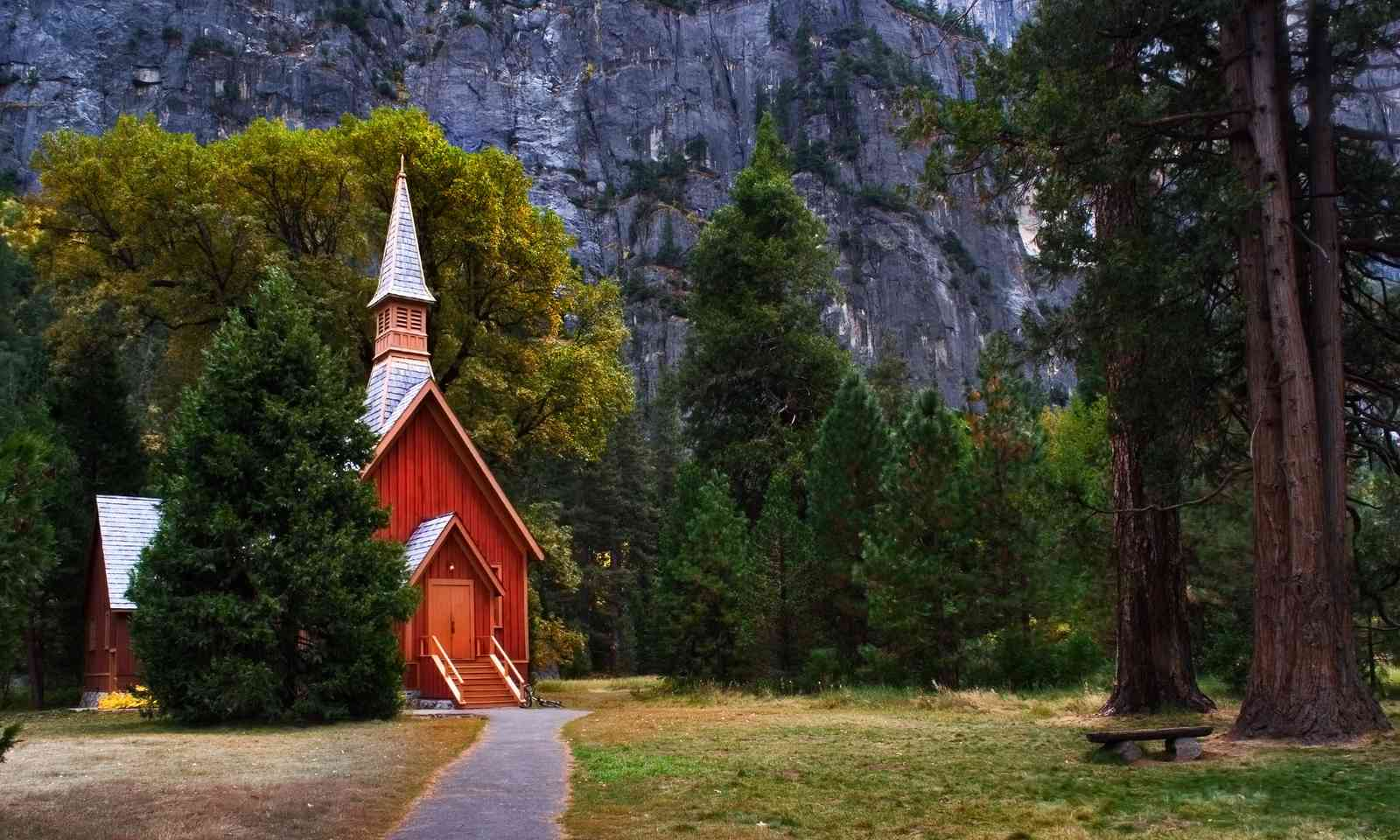 Yosemite Valley Chapel (Dreamstime)