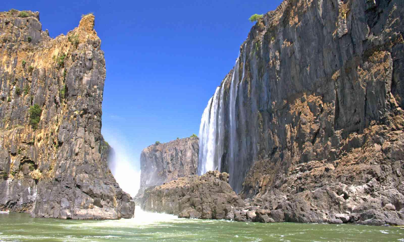 Victoria Falls (Shutterstock)
