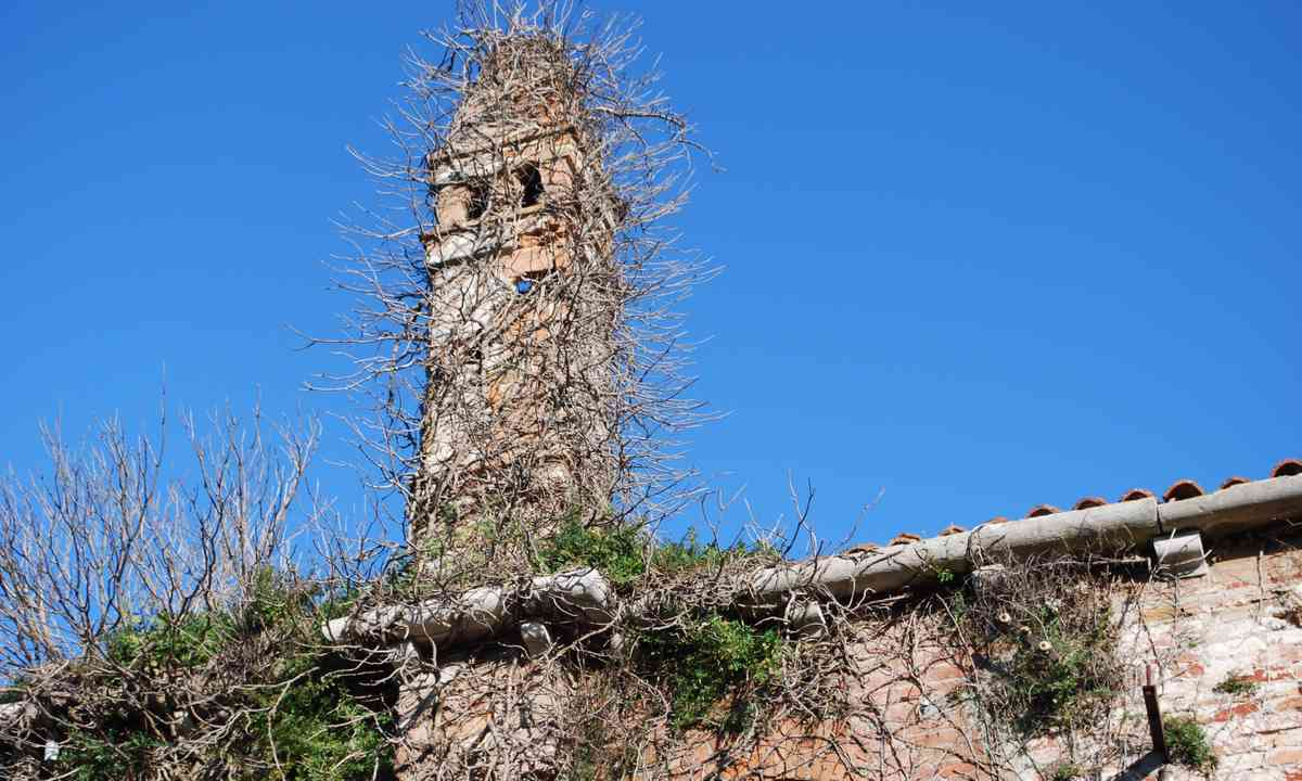 The haunted tower on Lazzaretto Vecchio (Dreamstime)
