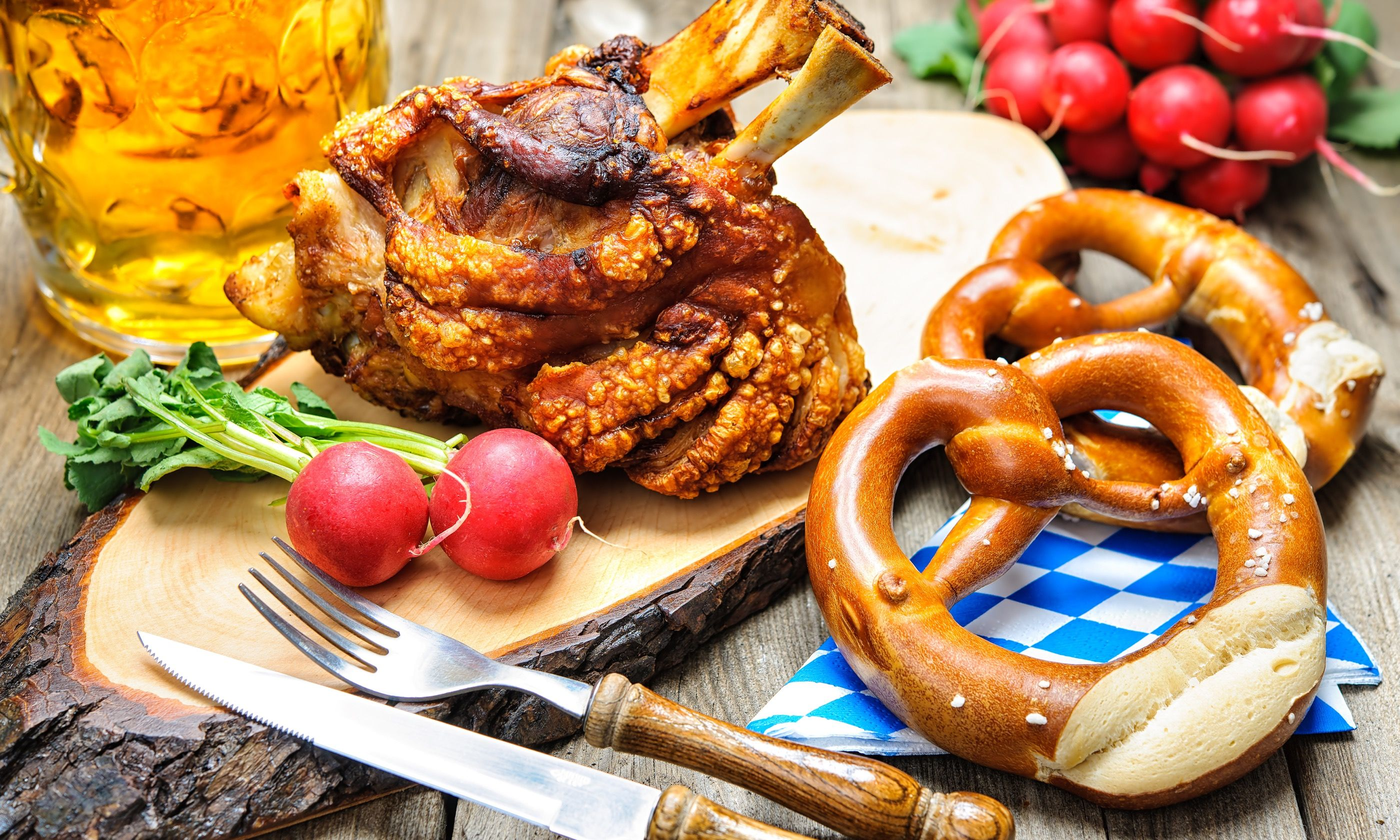An Oktoberfest staple – pork knuckle and pretzels (Dreamstime)