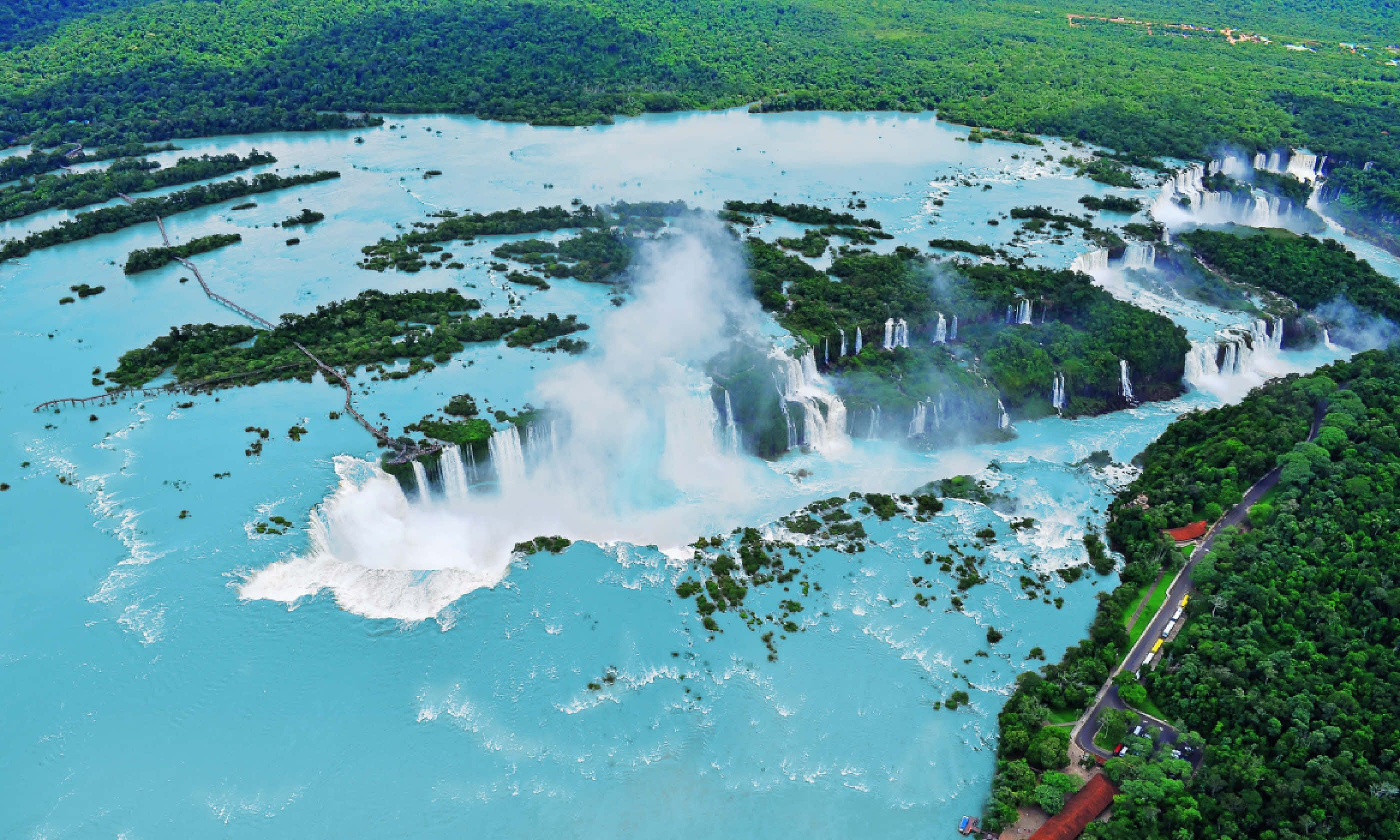 Iguazú waterfalls from helicopter (Shutterstock)