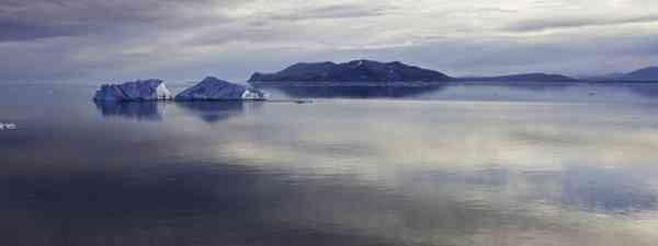 Arctic ice bergs (Polar Cruises)