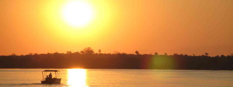 Taking it easy on the Zambezi, Zambia (Greenwich Photography)