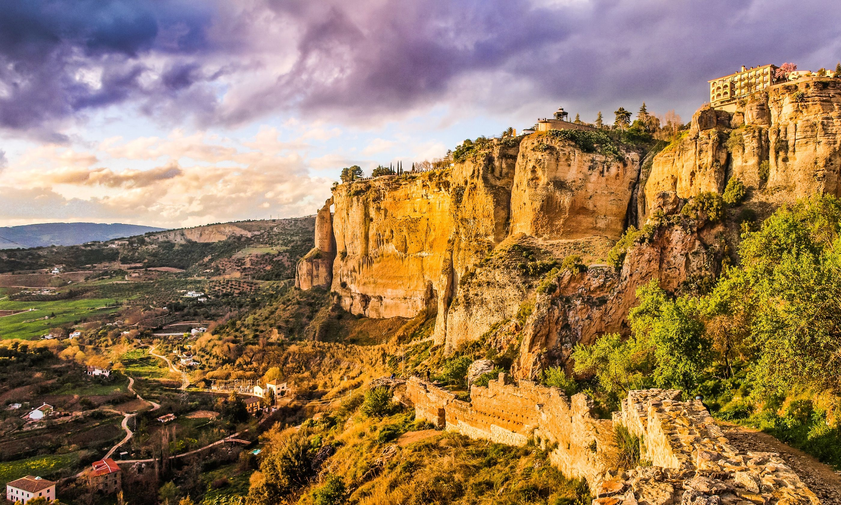 All roads lead to Ronda (Dreamstime)