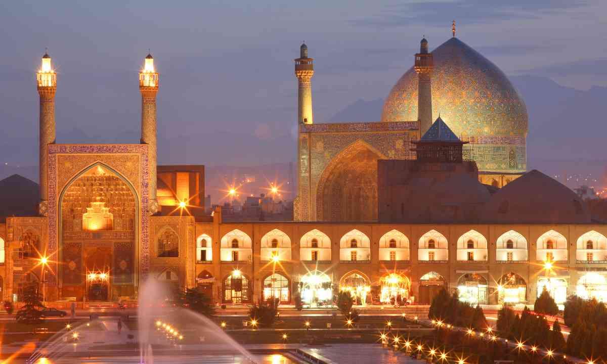 Isfahan at night (Dreamstime)