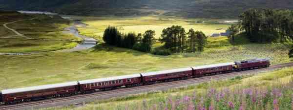 The Royal Scotsman in the Sottish Highlands (Belmond Royal Scotsman)
