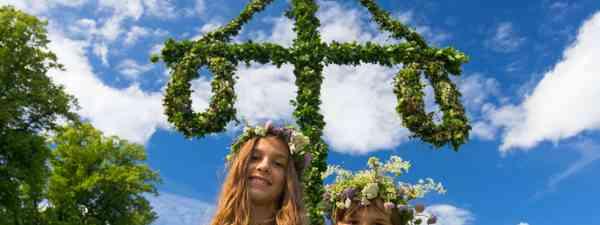 Swedish midsummer (dreamstime)