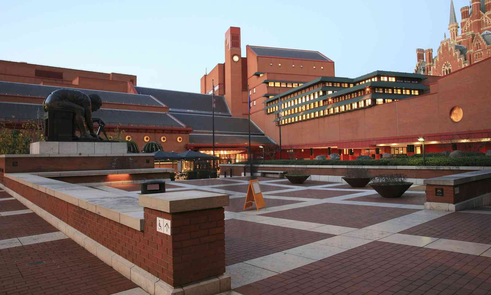 The British Library, London (Dreamstime)