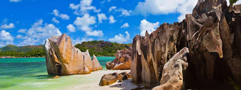 Curiese Island, Seychelles (Dreamstime 44303357)