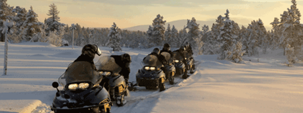 Snowmobiling in Russia (iStock_000000980806Small)