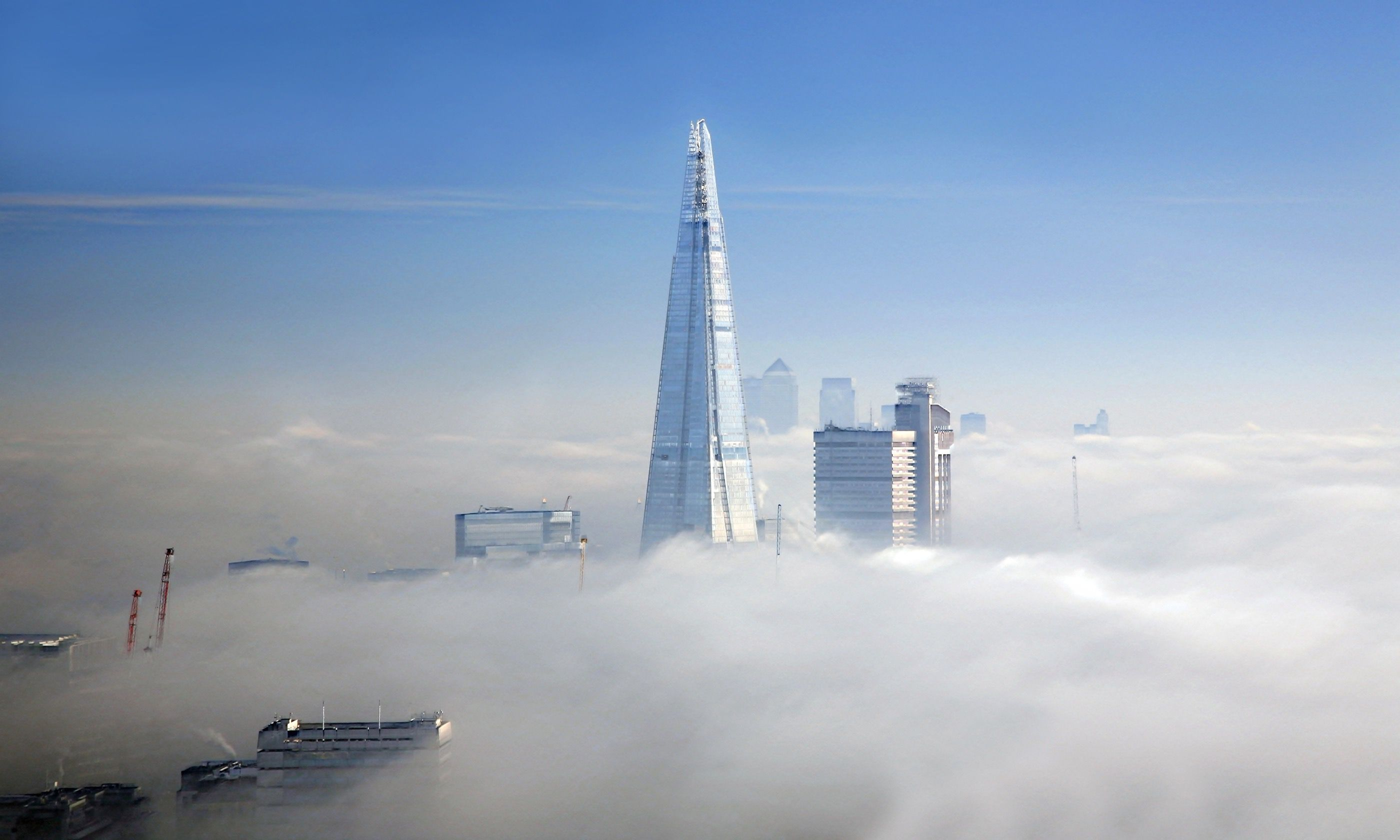 The Shard in London fog (Dreamstime)