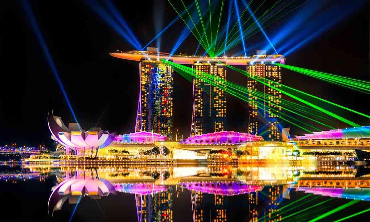 Laser show at the Marina Bay Sands (Dreamstime)