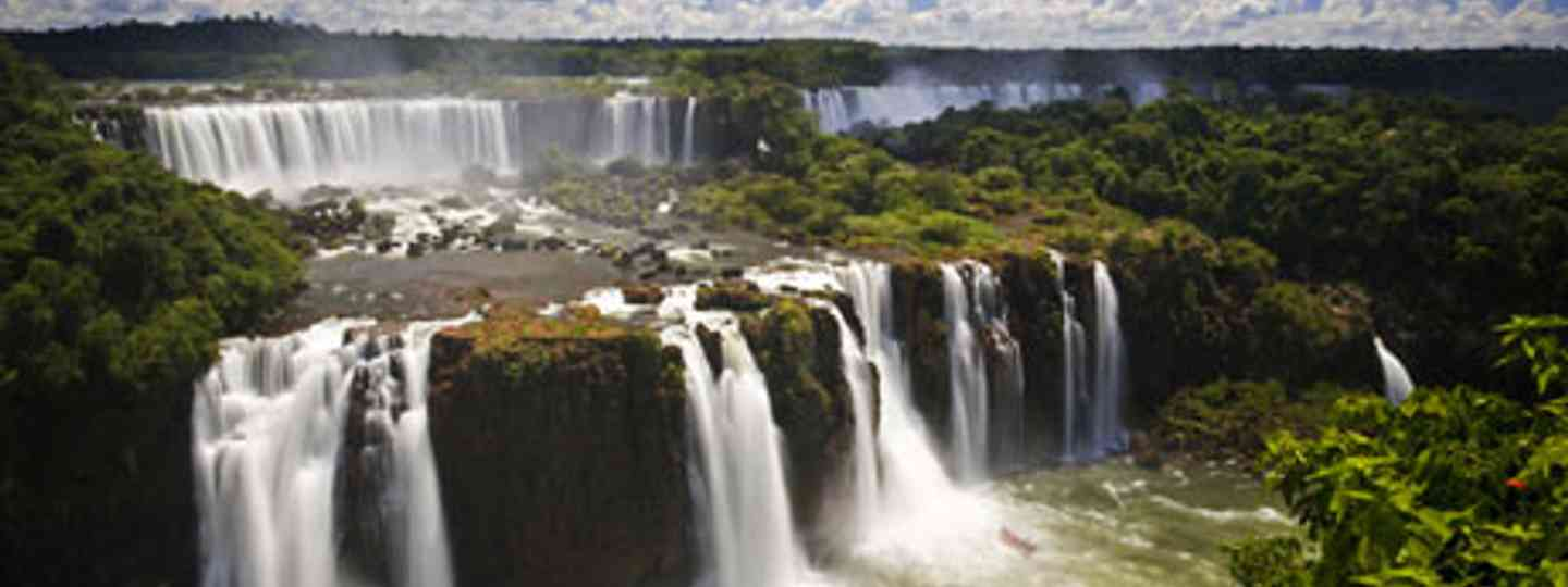 Iguazú waterfalls, Argentina (Photo: Dreamstime)
