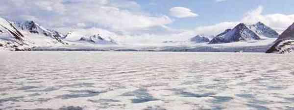 Here, in Spitsbergen, darkness reigns for three months every year (Graham Racher)