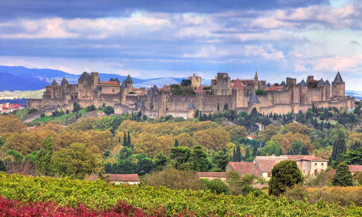 Fortified town of Carcassonne (Dreamstime)