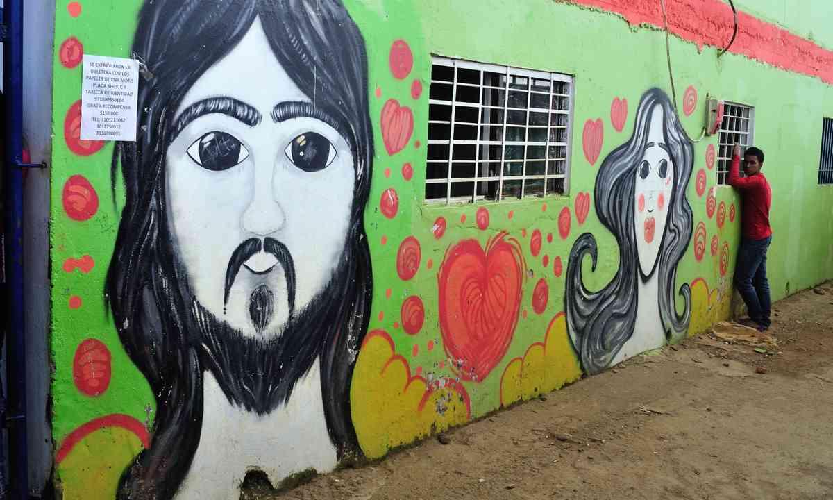 A school in Comuna Trece (Dreamstime)
