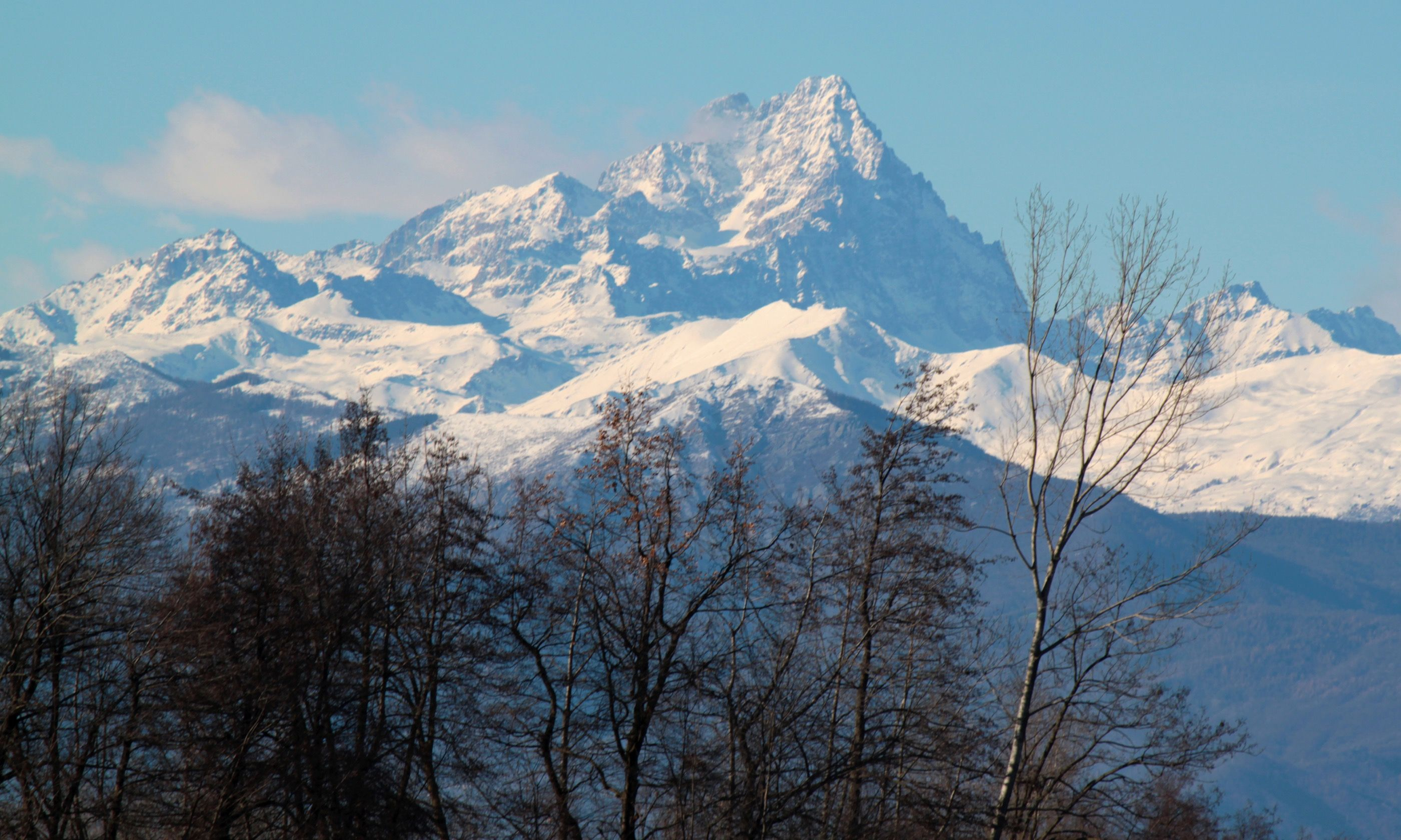 Monte Viso seen from the Hautes-Alpes (Dreamstime)