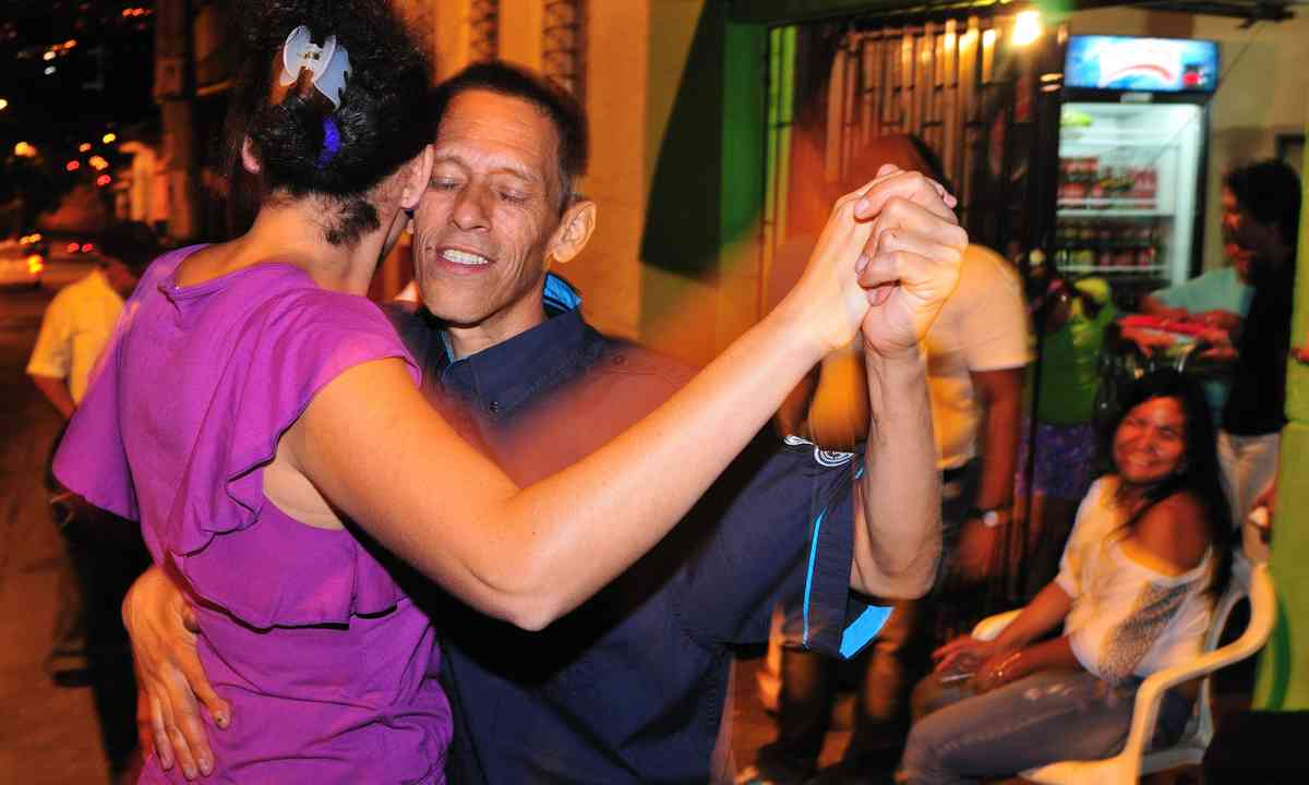 Dancing the salsa in Medellín (Dreamstime)
