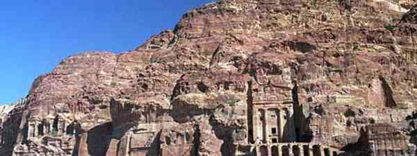 February or March is the time to go to Petra (Rick Lighthelm)