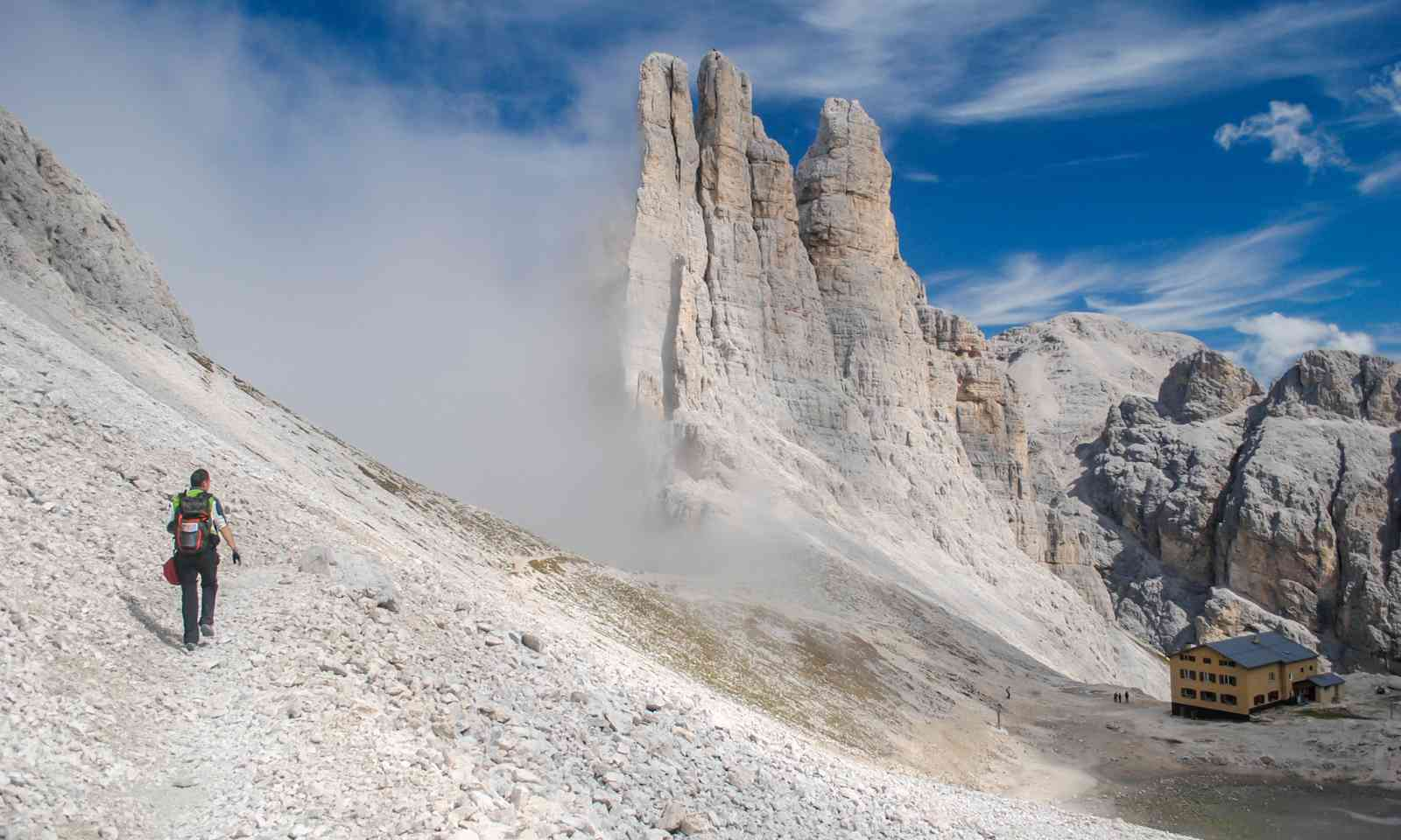Hiking in the Dolomites (Dreamstime)
