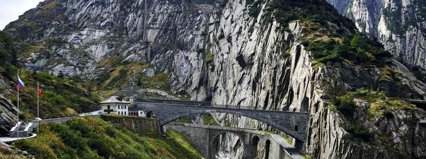 Gotthard Pass: the Devil's Bridge (Michael Blann)