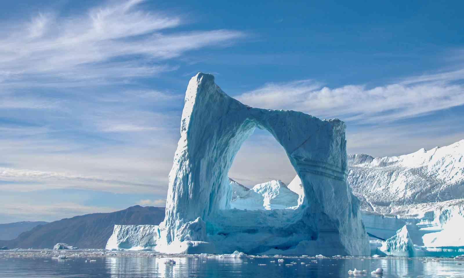 Arch iceberg near Greenland (Dreamstime)