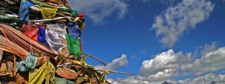 Buddhist prayer flags in Bhutan (jmhullot)