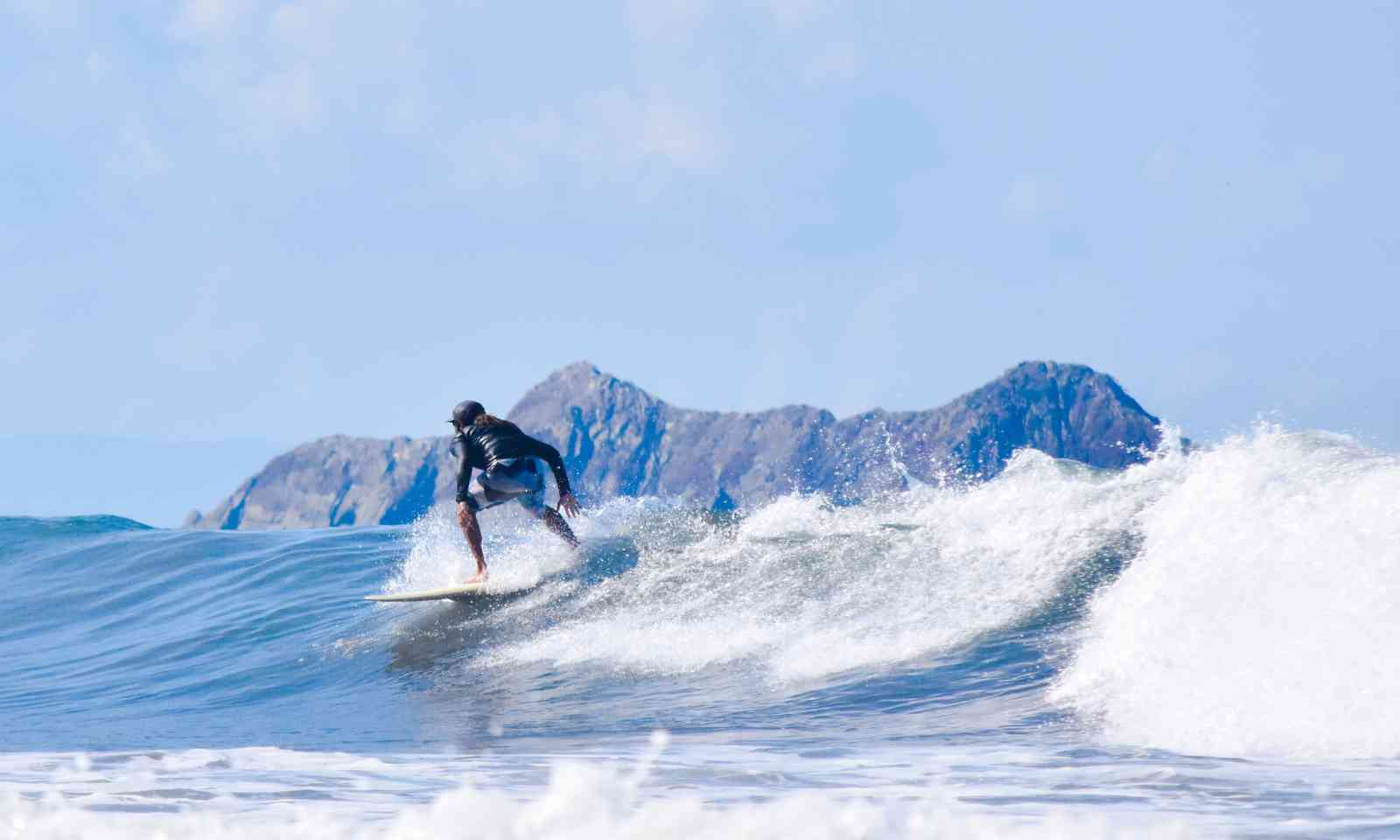 Surfing in Costa Rica (Dreamstime)