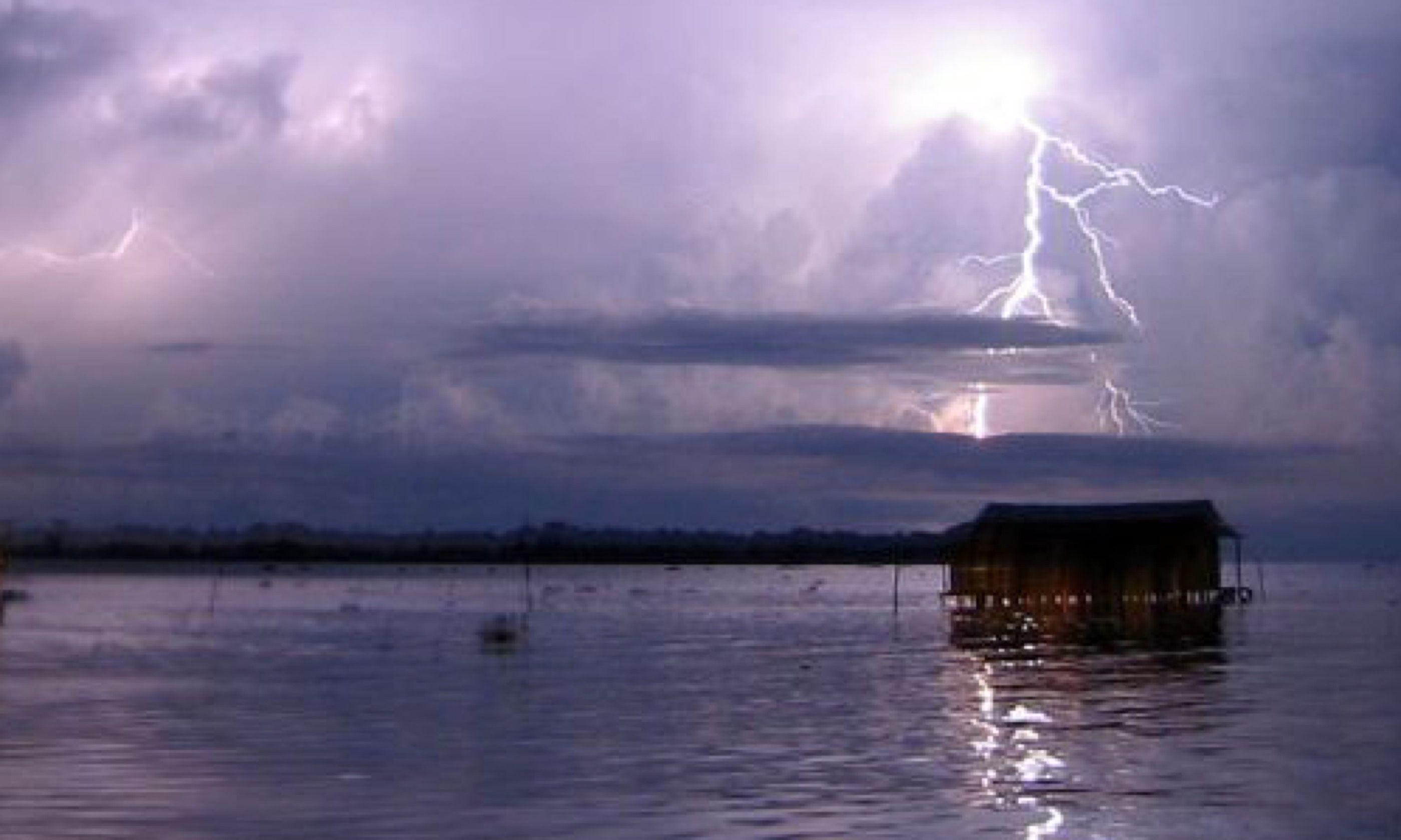 Lightning over Catatumbo (Creative Commons: Thechemicalengineer)