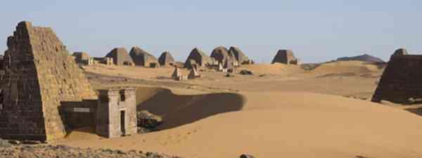 Pyramids of Meroe (Lyn Hughes)