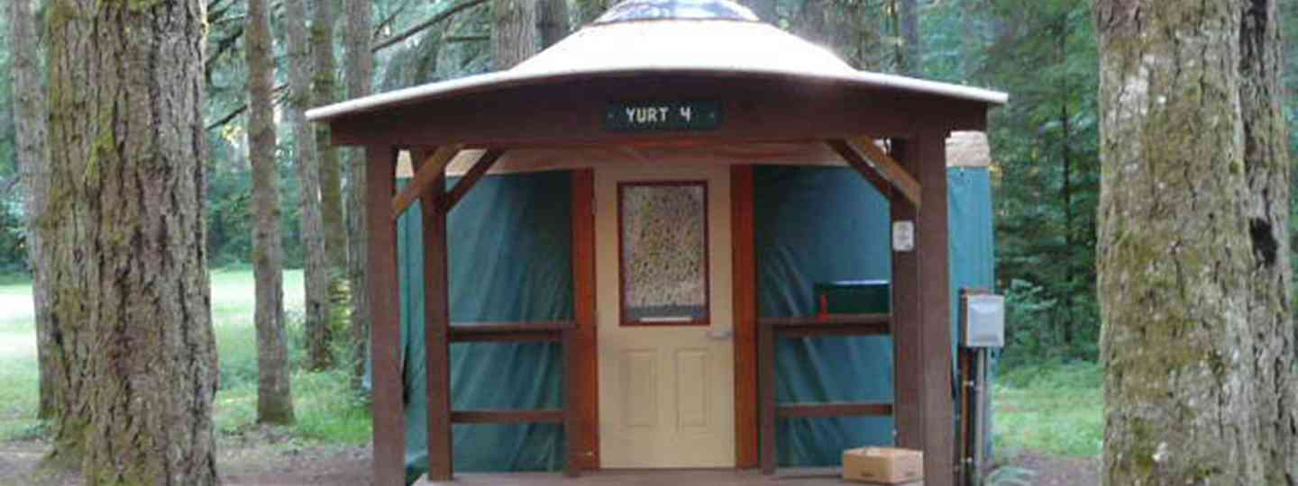Yurt in Oregon (Helen Moat)