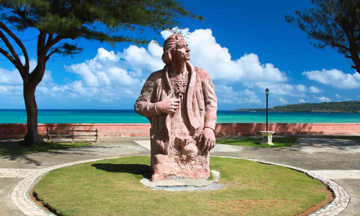Cristoforo Colombo memorial statue (Shutterstock)
