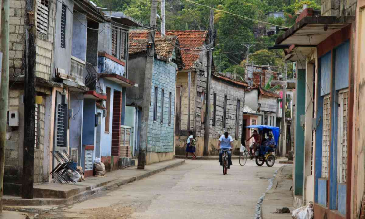 Backstreet, Baracoa (Shutterstock)