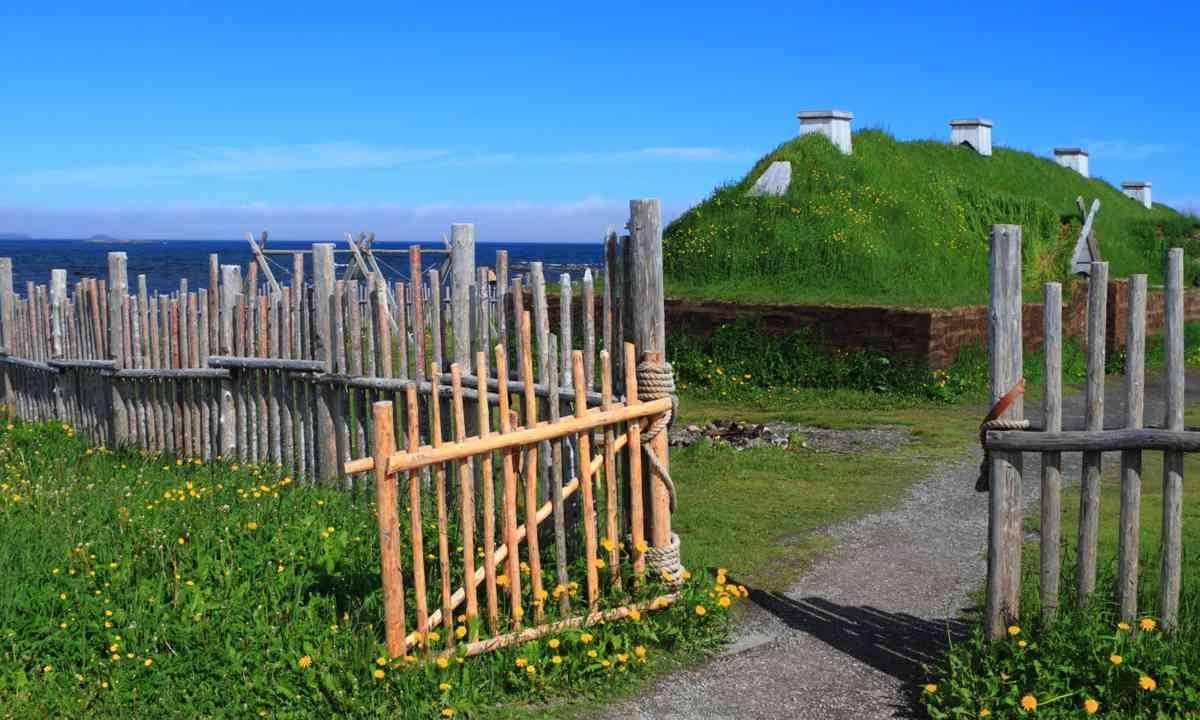 Ancient Viking houses in L'Anse aux Meadows (Dreamstime)