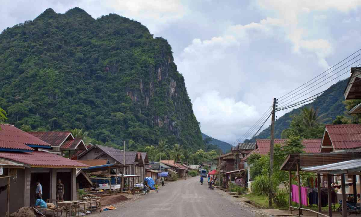 Nong Khiaw, Laos (Shutterstock)