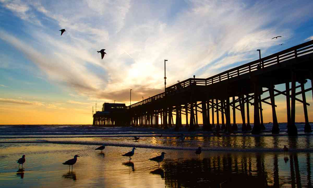Newport Beach pier at sunset (Dreamstime)