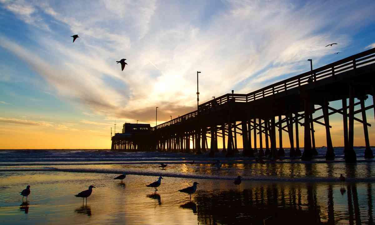 Newport Beach pier at sunset (Dreamstime)