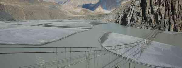 Suspension bridge, Pakistan (Shutterstock: see credit below)