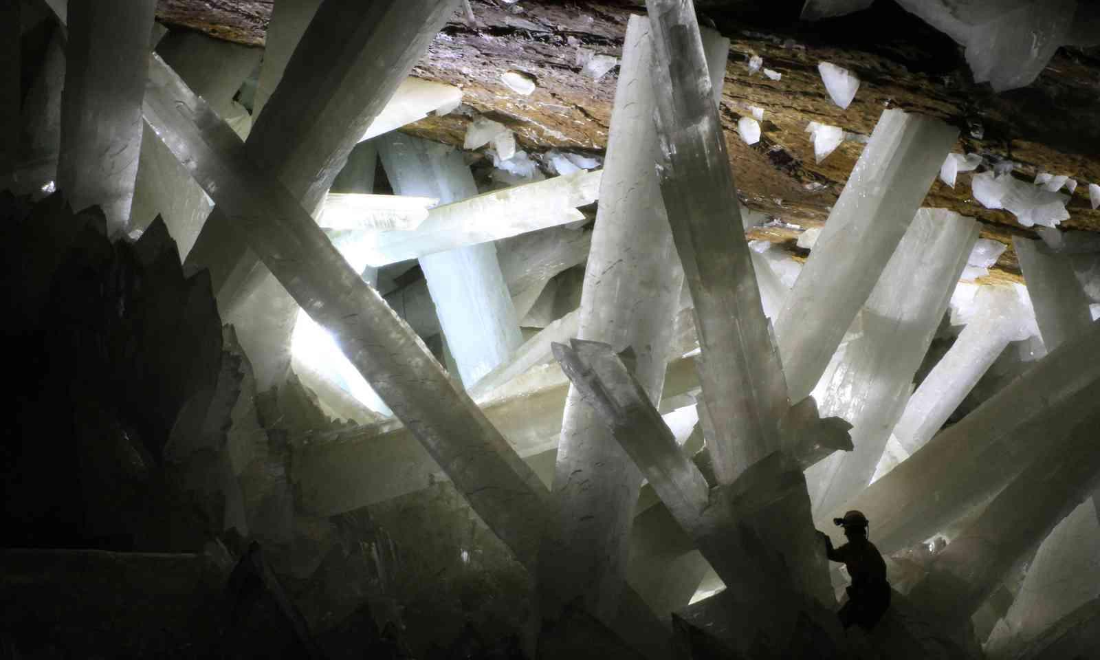 Gypsum crystals in the Naica cave (Creative Commons: Alexander Van Driessche)