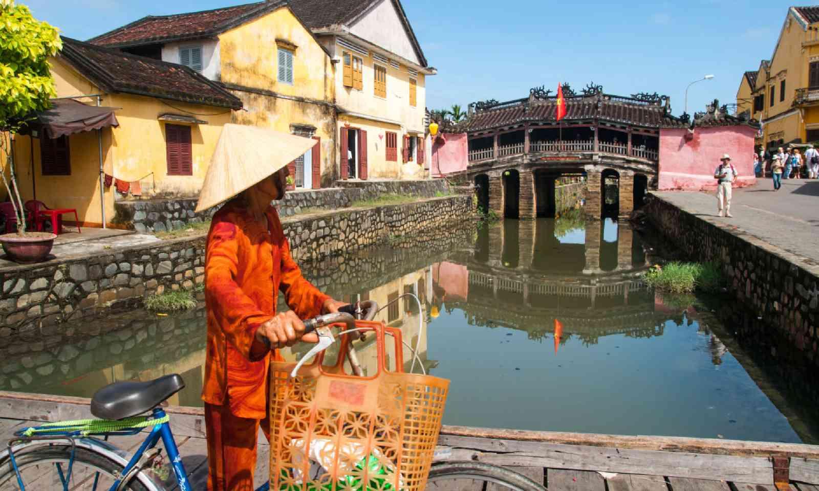 Japanese bridge, Hoi An (Shutterstock)
